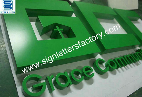 painted stainless steel letter sign 03